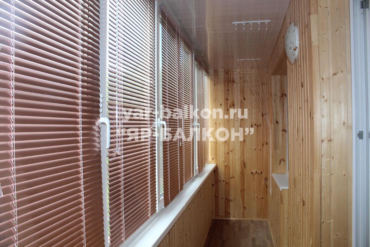 """Портфолио """"Яр-балкон"""" - фото остекленных и отделанных балкон."""